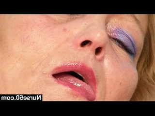 Filthy mature british lady toys her hairy pussy licking with speculum